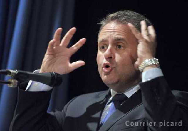 Xavier Bertrand dénonce «la chasse à l'homme» du PS