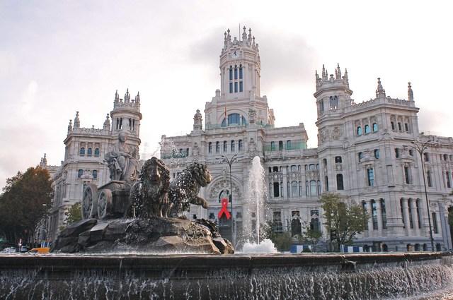 Se muda a España