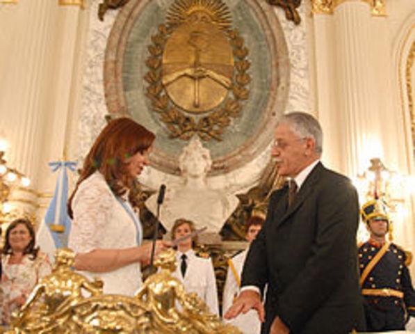 Tedesco es nombrado ministro de educación de Argentina.