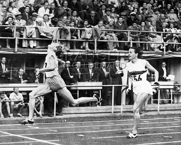 1952 Olympics hosted by Helsinki,Finland.