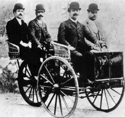 Vehicle amb motor de gas