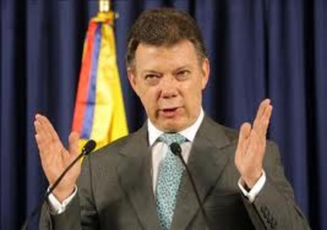 Juan Manuel Santos toma las riendas del pais