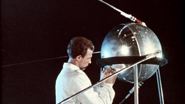 COMONUCACION POR SATELITES ARTIFICIALES Sputnik 1