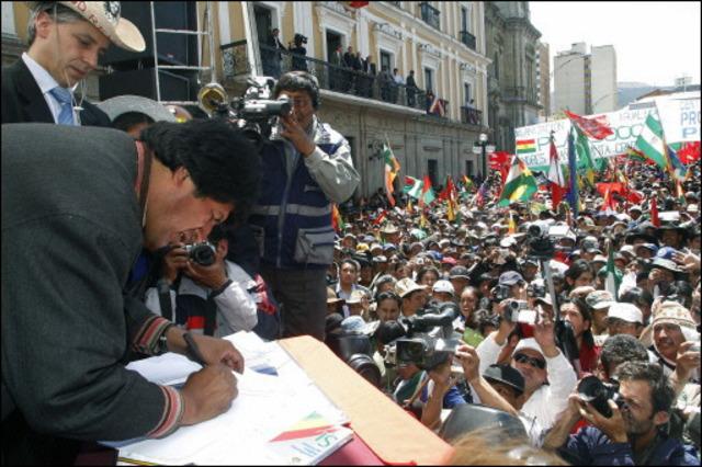 Proclamación de la Constitución Boliviana.