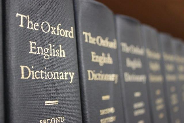 """INTERPRETAÇÕES DO TURISMO - Primeiro registro da palavra turismo no dicionário de inglês Oxford: """"A teoria e prática de viajar, deslocar-se por prazer. Uso, depredação"""""""