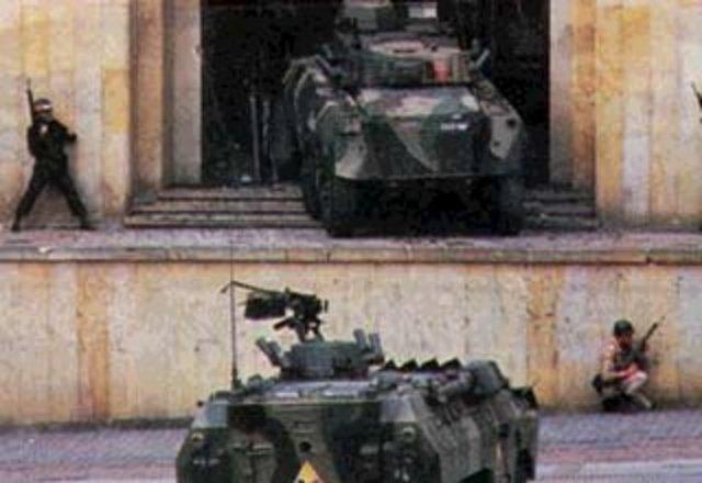 M-19 toma el Palacio de jusiticia
