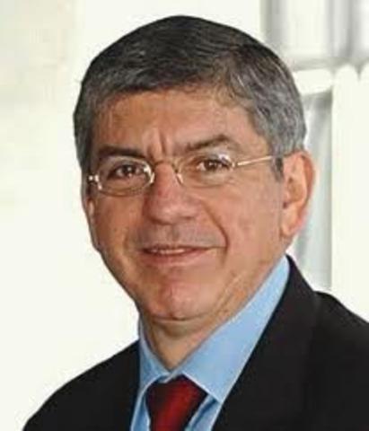 Gaviria se posesiona como presidente