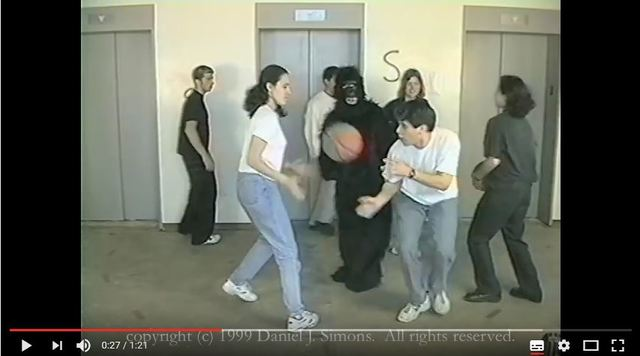 Basketball und Gorilla Test, Simons