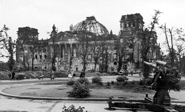 The Reichstag Fire ( Parliament House )
