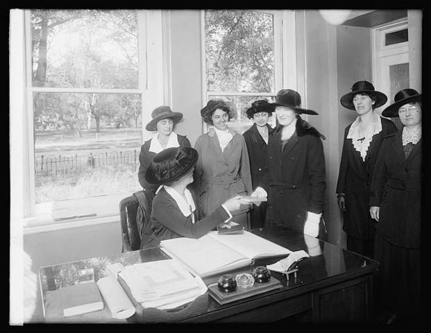 Women's Bureau in the U.S. Department of Labor Established