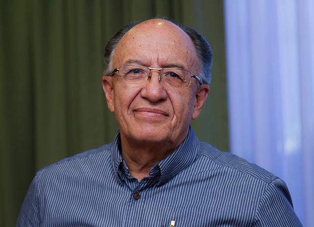 César Montaño encarga rectorado indefinidamente