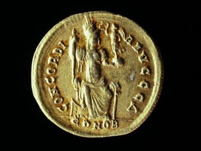 Aparece Solidus en Constantinopla