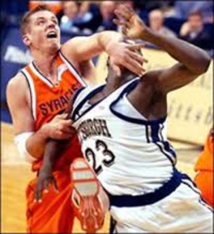 Se introduce el baloncesto en Yugoslavia. Se distingue en las penalizaciones las violaciones y la falta personal