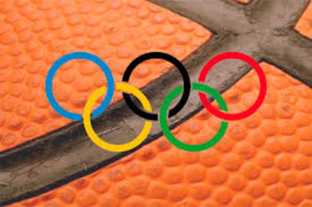 El baloncesto se presenta como el deporte de  exhibición en los juegos olímpicos en Ámsterdam