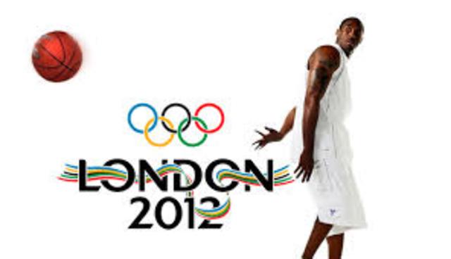 El baloncesto se incluye entre los deportes olímpicos. Se integra el baloncesto femenino a la F.I.B.A.