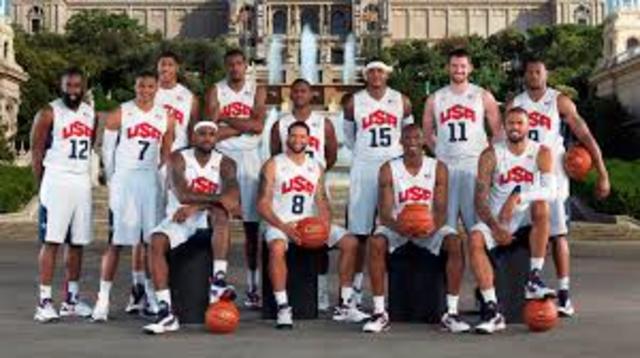 la federación profesional Estadounidense  a organizar el primer equipo profesional que representa a los E. U. en los siguientes juegos olímpicos.
