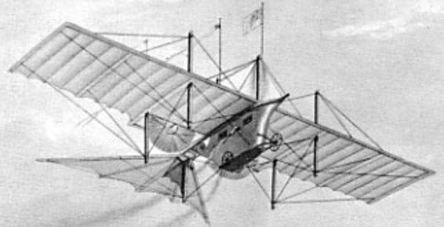 Avión impulsado por motor de vapor.