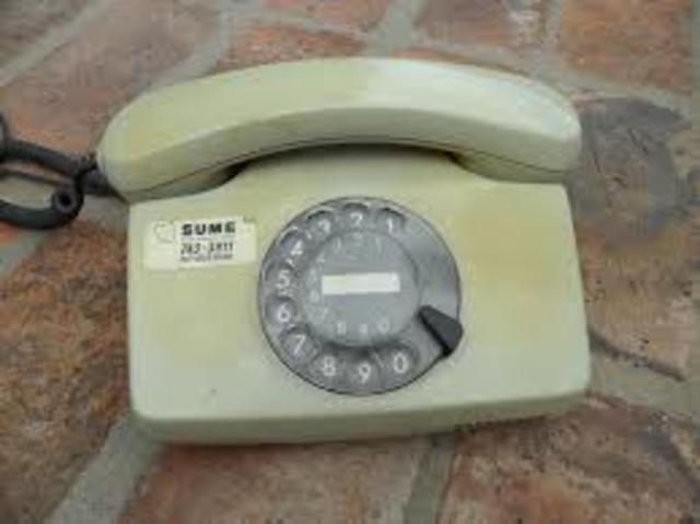 Primer teléfono en la casa