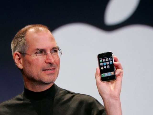 Apple iPhone is Introduced