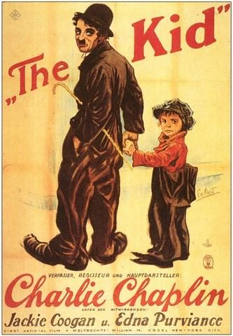 Se estrena The kid, el primer largometraje de Charles Chaplin y The four horsemen of the Apocalypse380 de Rex Ingram con Rodolfo Valentino.