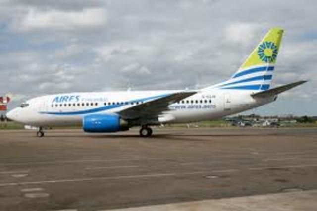 la columna móvil de las FARC-EP Teófilo Forero, secuestró un avión de la aerolínea Aires en el que viajaba el senador Jorge Gechem.