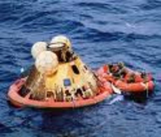 Apollo 11 splashdown