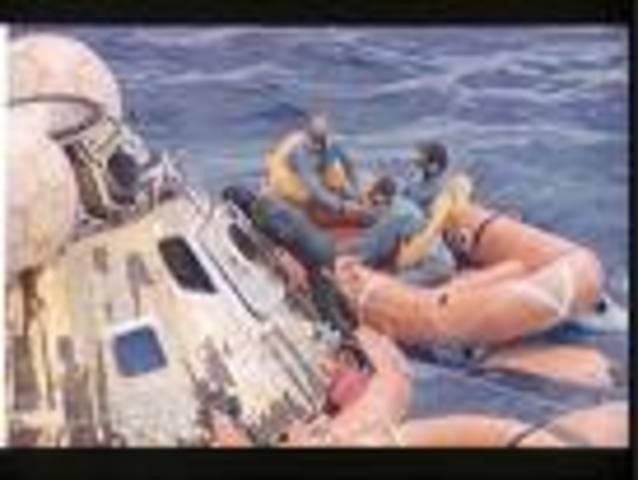 Apollo 12 splashdown.