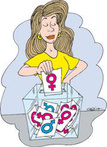 Mujeres ejercen derecho al voto