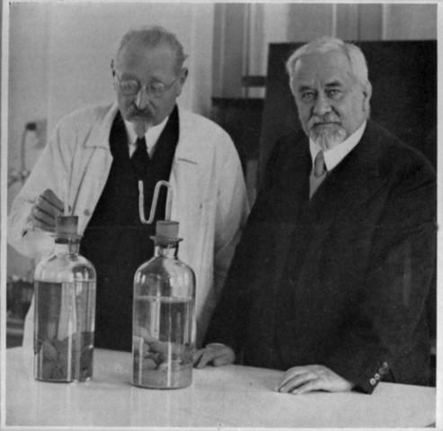 1922 d.C.- Se desarrolla vacuna contra la tuberculosis.