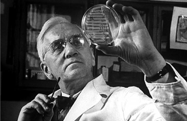1928 d.C.- Se descubre la penicilina.