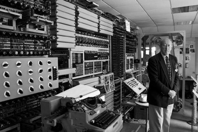 Zuse crea el Z3, el primer computador programable