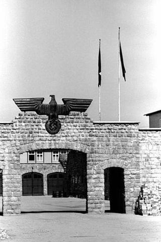 Mauthausen established