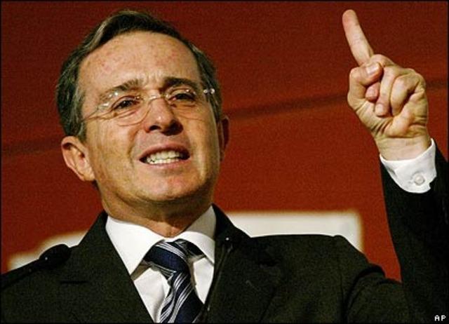 Posesión de Alvaro Uribe.