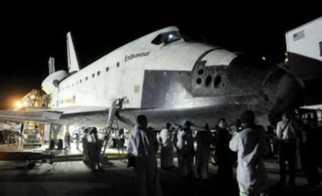 El transbordador espacial americano Atlantis.