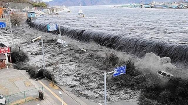 Un tsunami devasta el sureste asiático