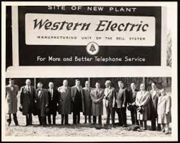 Walter A. Shewhart, George D. Edwards, Donald A. Quarles, Harold F. Dodge y Hary G. Roming - Estados Unidos