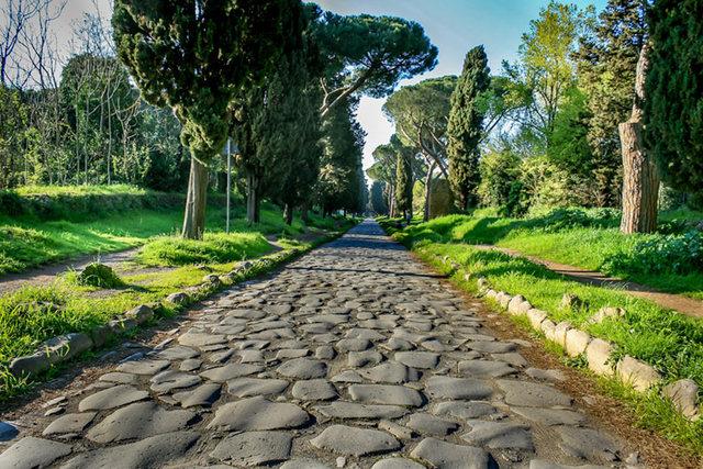 Se construyeron carreteras (312 a. de C.)
