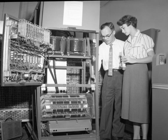 Anuncio de la IBM 650