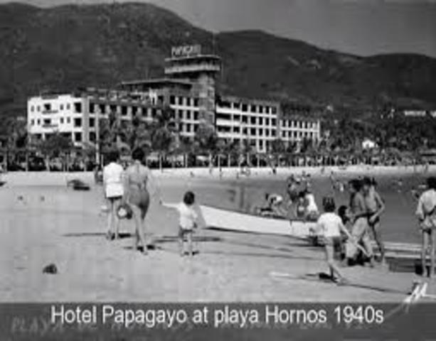 México Recibe 384 mil turistas en 1950.