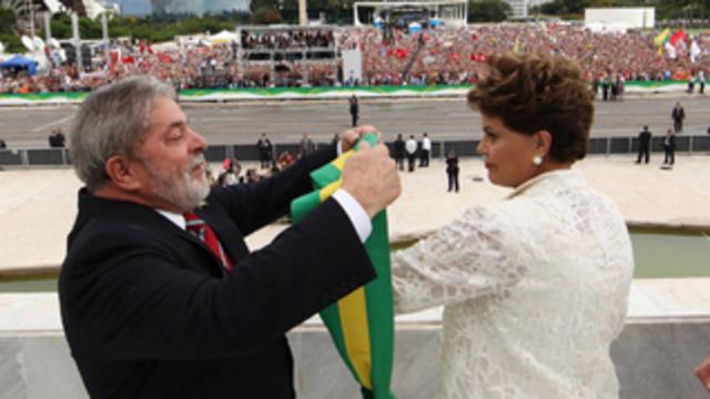2010 - Dilma ganha a faixa