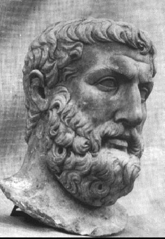 Xenófanes creía que todo se componía de agua y tierra.