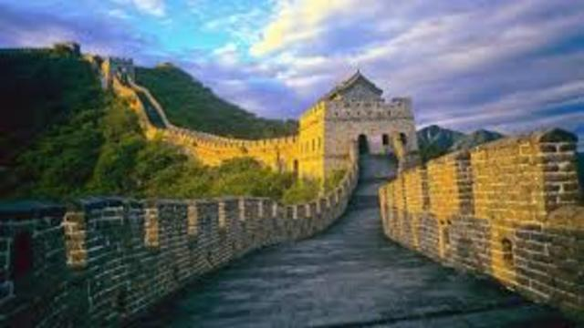 Construction of Great Wall of China (started)