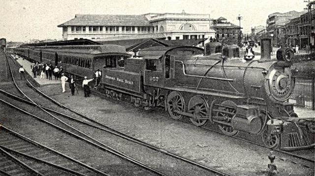 Inauguración de la quinta línea ferroviaria del mundo.