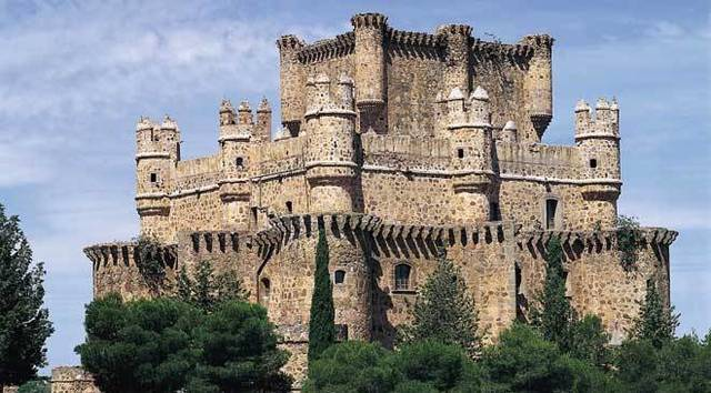 Prohíben construir nuevos castillos.