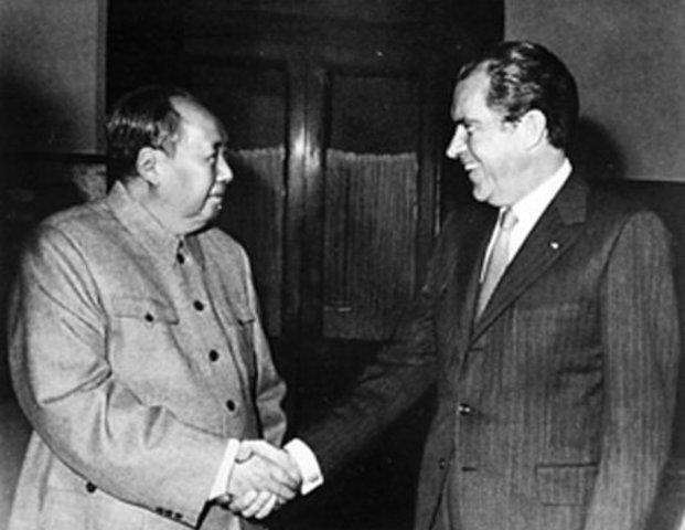 El presidente de los Estados Unidos, Richard Nixon visita China