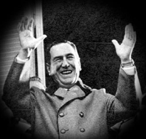 Juan Domingo Perón recupera la presidencia de Argentina