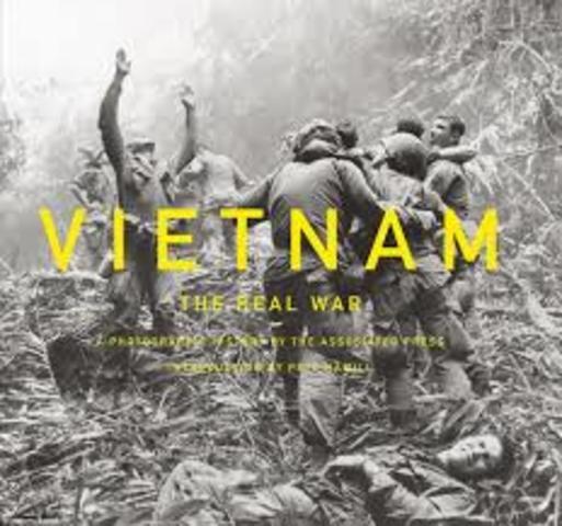 INICIA GUERRA EN VIETNAM