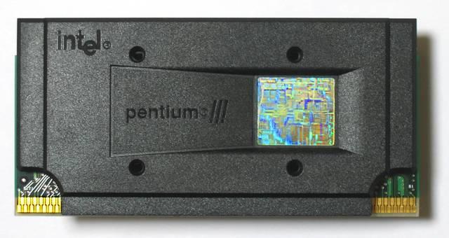 Intel Pentium III.