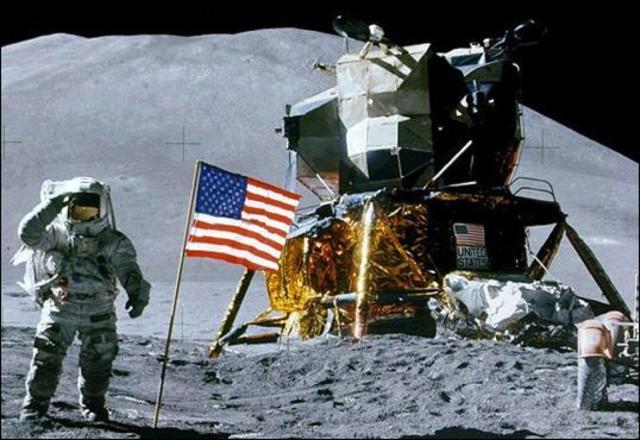 El hombre llega a la Luna
