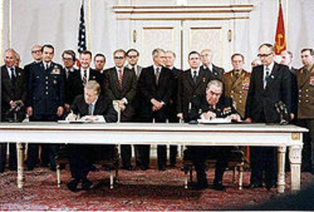 Entra en vigor el Tratado SALT